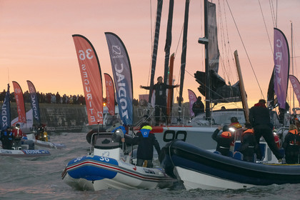 13_01565  2012 13 VENDEE GLOBE. Arrival in Les sables d'Olonne (